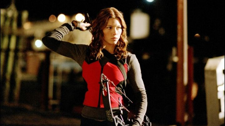 The leather jacket of Abigail Whistler (Jessica Biel), in Blade : Trinity - Movie Outfits and Products