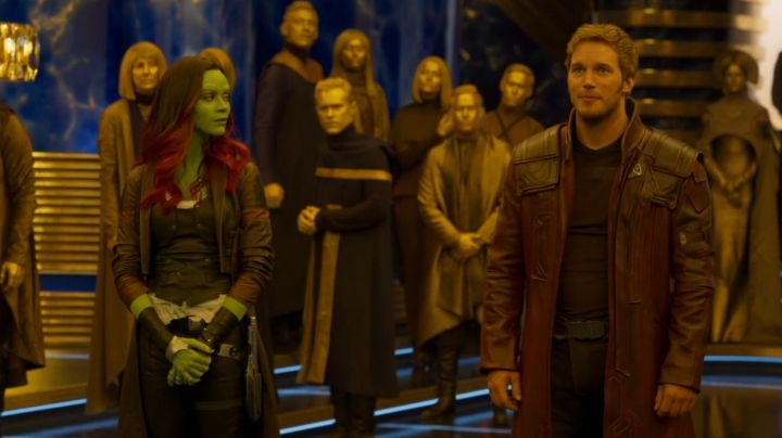 The leather jacket of Gamora (Zoe Saldana) in The Guardians of the Galaxy Vol. 2 - Movie Outfits and Products