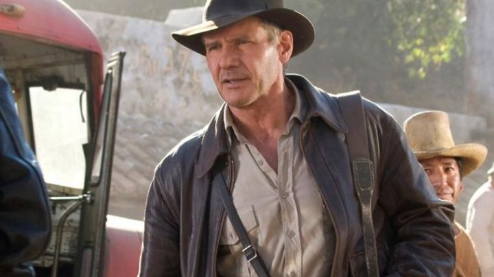 The leather jacket of Indiana Jones (Harrison Ford) in Indiana Jones and the last crusade