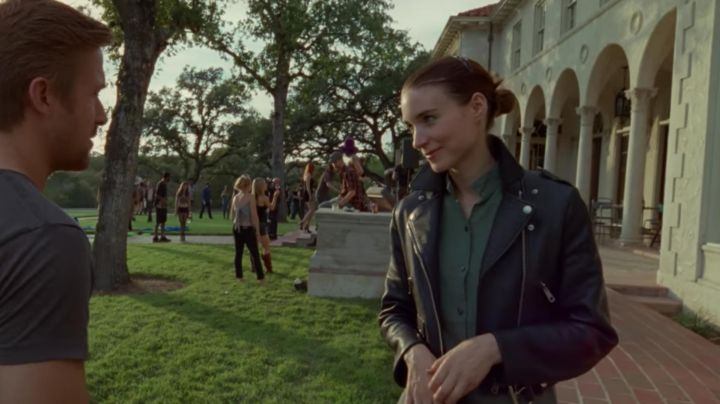 Fashion Trends 2021: The leather jacket type leather Jacket from Faye (Rooney Mara) in Song-to-Song