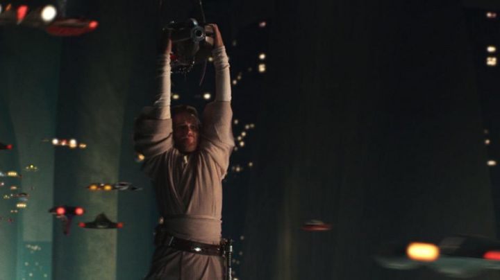Fashion Trends 2021: The leather pouch of Obi-Wan Kenobi (Ewan McGregor) in Star Wars II : attack of The clones