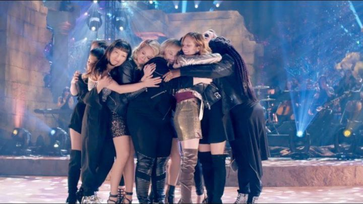 The leggings (as amended) Eloquii Fat Amy / Patricia (Rebel Wilson) in Pitch Perfect 3 - Movie Outfits and Products