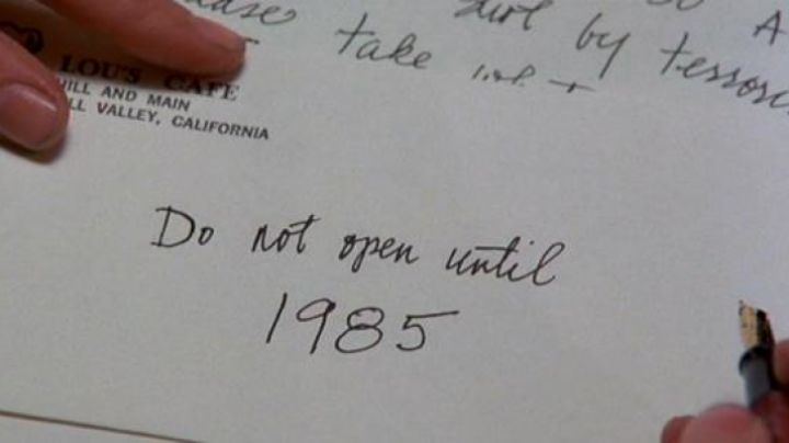 The letter written in 1955 by Marty McFly (Michael J. Fox) in Doc (Christopher Lloyd) in Back to the future movie