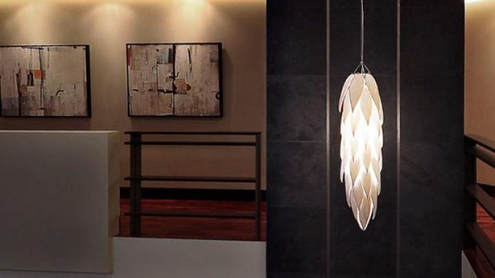 The light fixture in the living room of Christian Grey (Jamie Dornan) in Fifty shades darker Movie