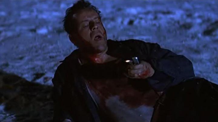 Fashion Trends 2021: The lighter Zippo lighter to John McClane (Bruce Willis) in Die Hard 2 : 58 minutes to live