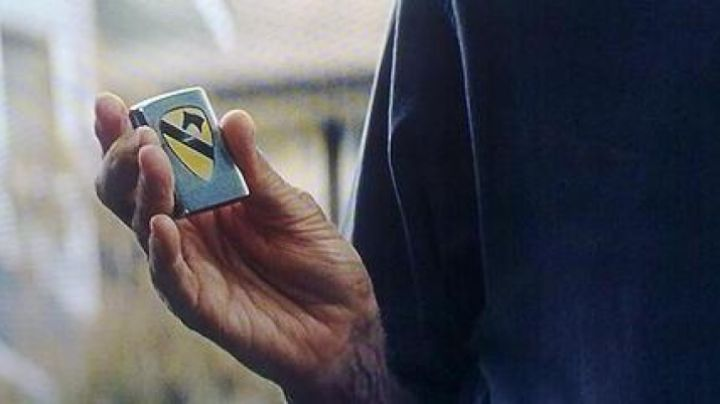 The lighter with the emblem of the US Cavalry of Walt Kowalski (Clint Eastwood) in Gran Torino movie
