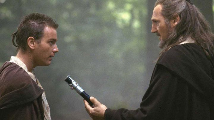 The lightsaber of Obi Wan Kenobi (Ewan McGregor) in Star Wars I : The phantom menace - Movie Outfits and Products