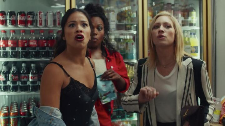 The long jacket with stripes Blair Helms (Brittany Snow) in a good Person movie