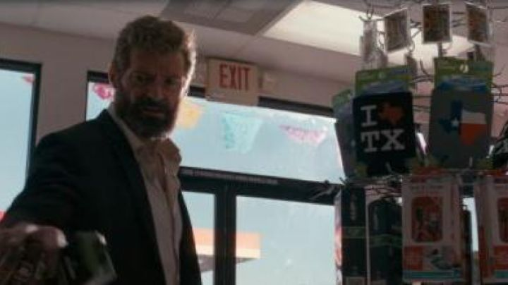 "The magnet ""I Love TX"" in Logan - Movie Outfits and Products"