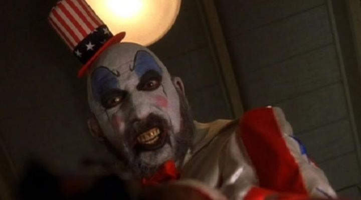 The mask-Captain Spaulding (Sid Haig) in the film The house of 1000morts Movie