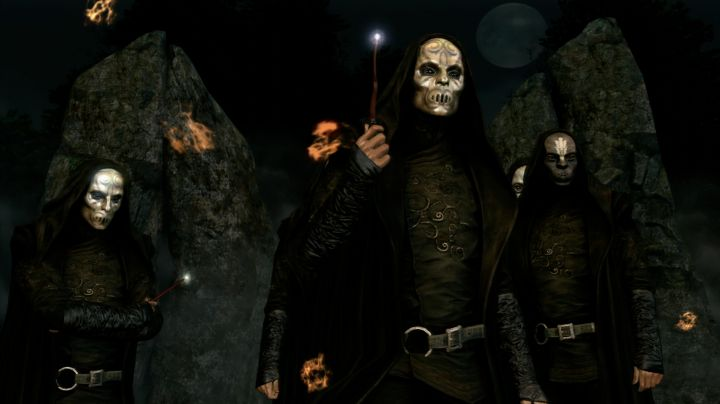 The mask Mangemort of Lucius Malfoy in Harry Potter and the goblet of fire - Movie Outfits and Products