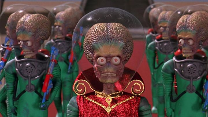 Fashion Trends 2021: The mask martian in Mars Attacks!