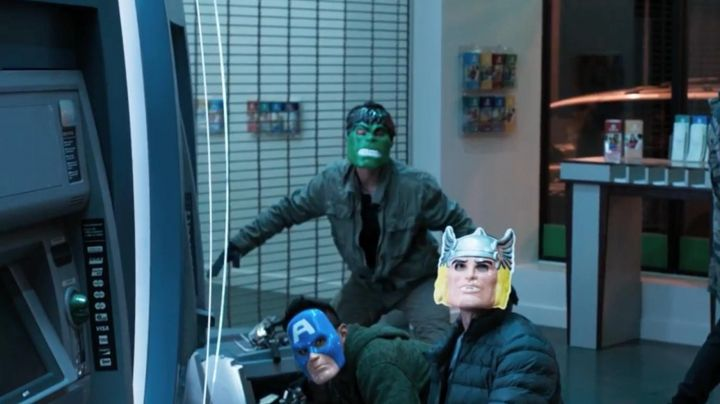 The mask of Captain America as worn by one of the villains in Spider-Man : Homecoming - Movie Outfits and Products