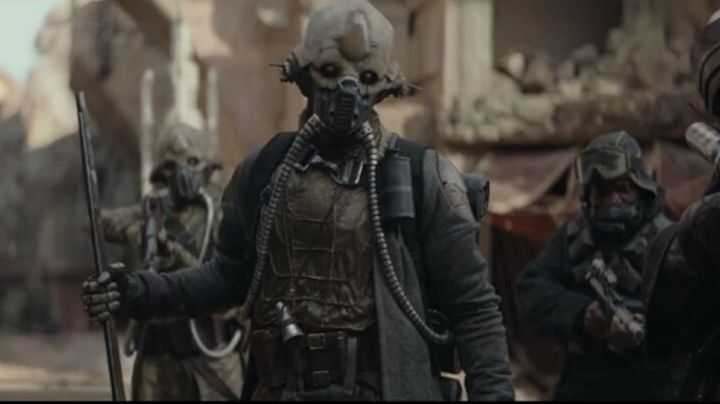 The mask of Edrio in Rogue One : A Star Wars Story - Movie Outfits and Products