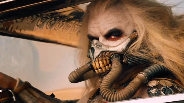 The mask of Immortan Joe (Hugh Keays-Byrne) in Mad Max Fury Road - Movie Outfits and Products