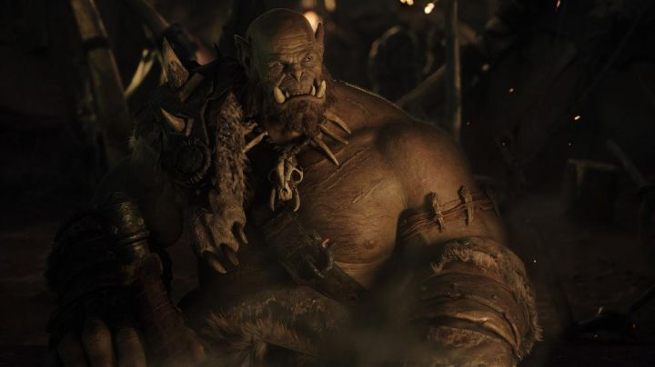 The mask of Orgrim doomhammer (Robert Kazinsky) in Warcraft : The beginning - Movie Outfits and Products