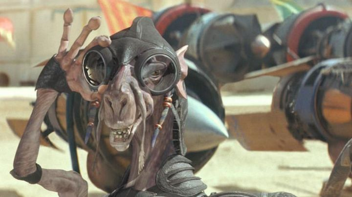 The mask of Sebulba in Star Wars I : The phantom menace - Movie Outfits and Products