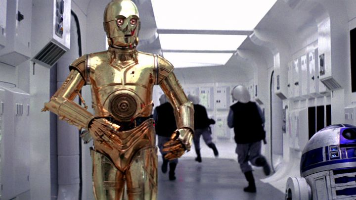 The mask of droid C3PO in Star Wars IV : A New Hope - Movie Outfits and Products