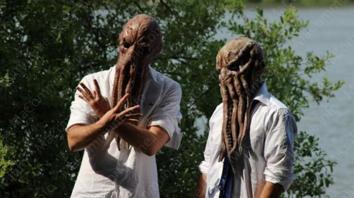 The mask of octopus DJ Da Octopusss, owner of the music in Banlieue 13 - Movie Outfits and Products