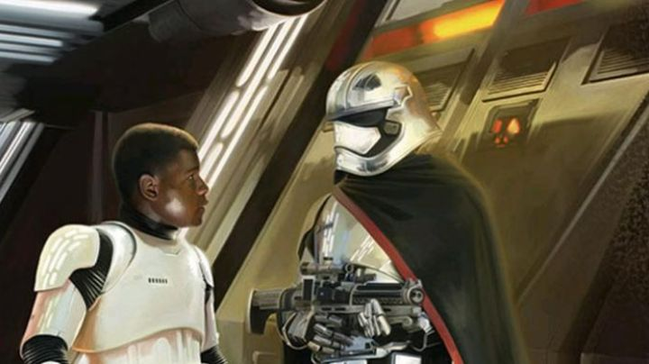 The mask of the Captain Phasma in Star Wars VII : The awakening of the force - Movie Outfits and Products
