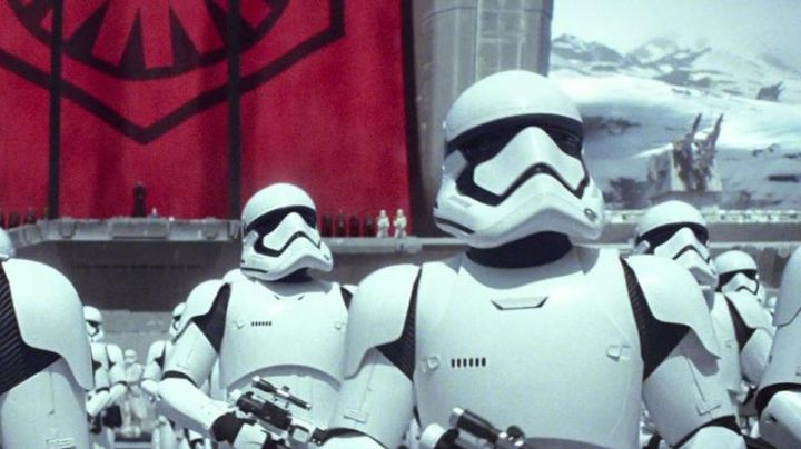 The mask of the Stormtrooper in Star Wars VII - Movie Outfits and Products