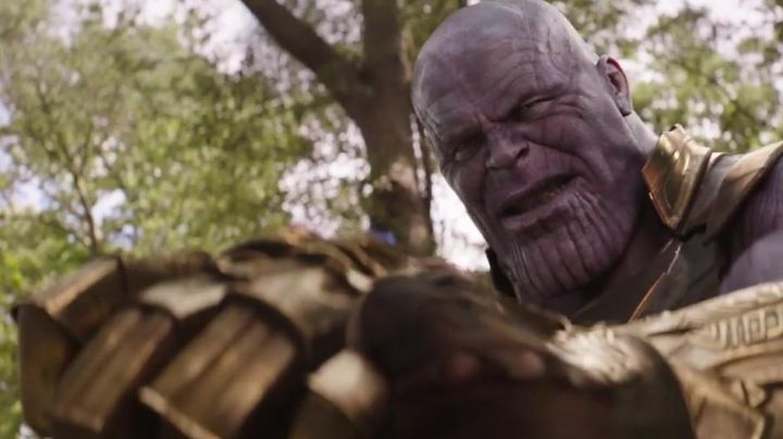 The mask scarred of Thanos (Josh Brolin) in Avengers : Infinity War - Movie Outfits and Products
