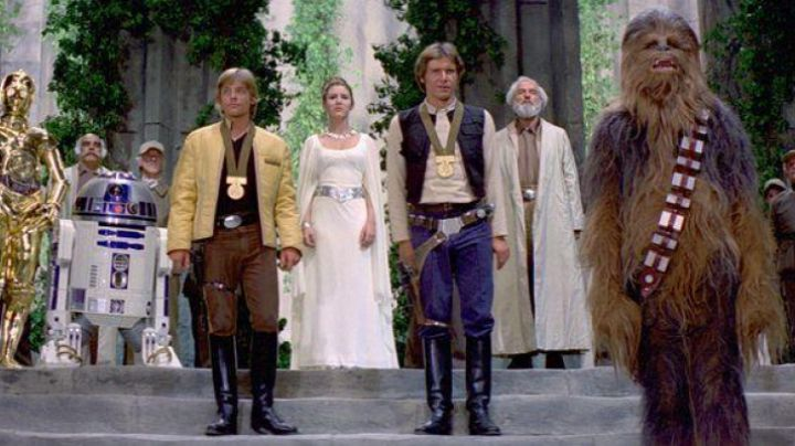 Fashion Trends 2021: The medal Bravour Yavin in Star Wars IV : A new hope