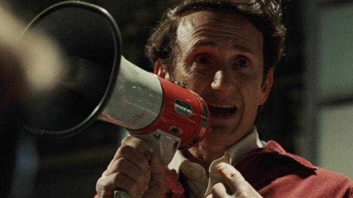 The megaphone of Harvey Milk (Sean Penn) in Harvey Milk - Movie Outfits and Products