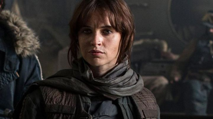 Fashion Trends 2021: The mid-season jacket of Jyn Erso (Felicity Jones) in Star Wars VII : the awakening of the force