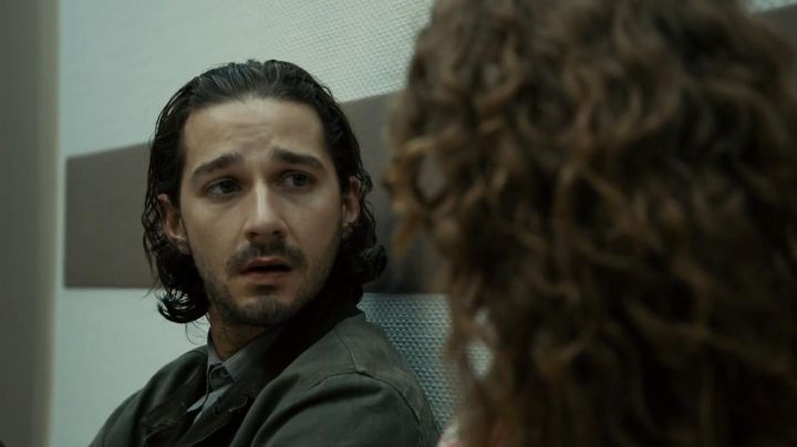 Fashion Trends 2021: The military jacket collar velour Shia Labeouf in Charlie Countryman