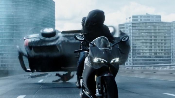 The motorcycle Ducati 1299 Panigale in Deadpool - Movie Outfits and Products