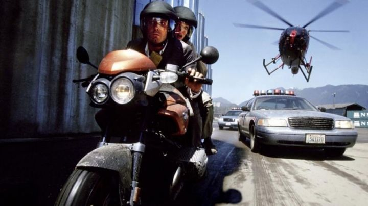 The motorcycle of Michael Jennings (Ben Affleck) in Paycheck movie