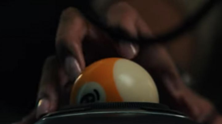 The mouse ball billiards Nine Ball (Rihanna) in Ocean's Eight - Movie Outfits and Products