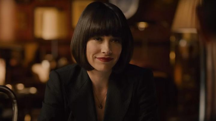The necklace of Hope van Dyne (Evangeline Lilly) in the Ant-Man movie
