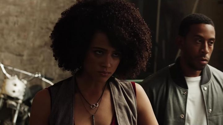 The necklaces Ramsey (Nathalie Emmanuel) in Fast and Furious 8