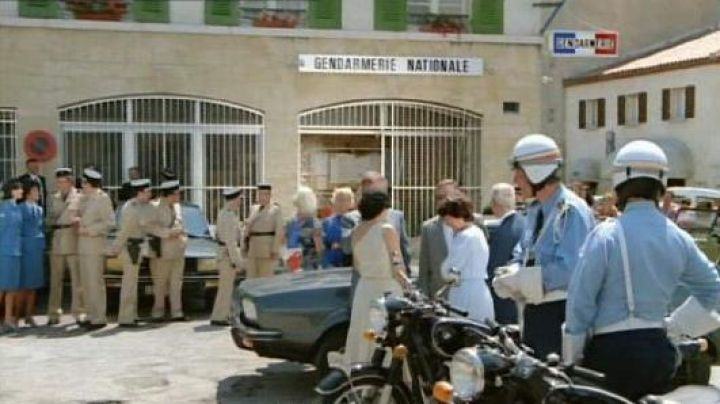 The new National Gendarmerie of Saint-Tropez, The gendarme and the gendarmettes - Movie Outfits and Products