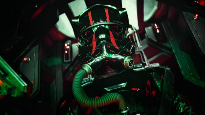 Fashion Trends 2021: The new helmet of a Tie Pilot in Star Wars: episode VII - The Awakening of the Force