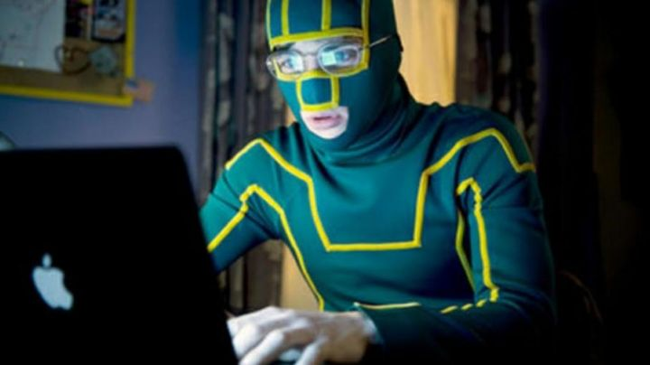 The notebook Kick-ass (Aaron Taylor Johnson) Kick-ass - Movie Outfits and Products