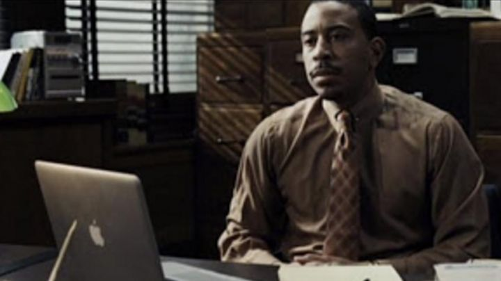 The notebook of Jim Bravura (Ludacris) in Max Payne - Movie Outfits and Products