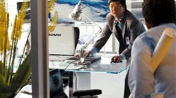 The office chair Jerry Wang (Ken Jeong) in Transformers 3 - Movie Outfits and Products