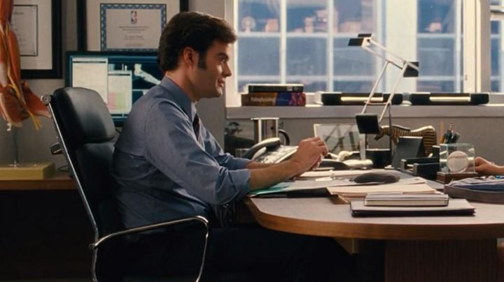The office chair of Bill Hader in Crazy Amy - Movie Outfits and Products