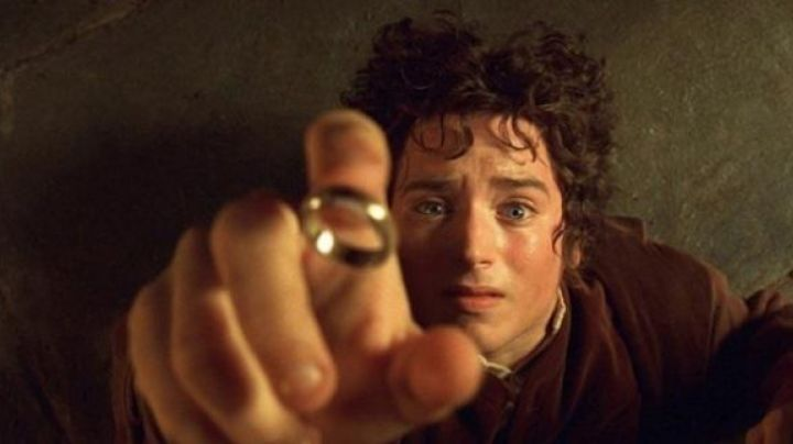 The one Ring [OFFICIAL] in the Lord of the Rings movie