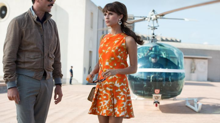 The orange robes of Gaby (Alicia Vikander) in Very Special Agents : Code U. N. C. L. E movie