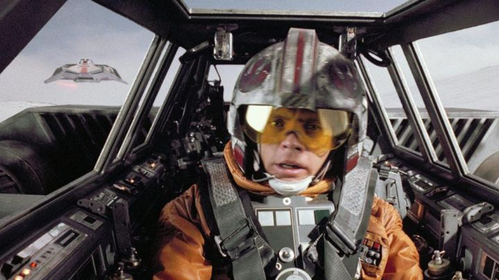 The orange vest of Luke Skywalker (Mark Hamill) in Star Wars V : The Empire strikes back - Movie Outfits and Products