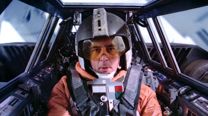 Fashion Trends 2021: The orange vest of a pilot X-Wing in Star Wars episode V : The Empire strikes back