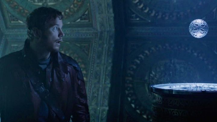 The orb of infinity and its gem in The Guardians of the Galaxy - Movie Outfits and Products