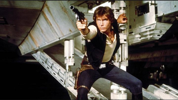 Fashion Trends 2021: The outfit, vest and boots of Han Solo (Harrison Ford) In Star wars V : The empire strikes back
