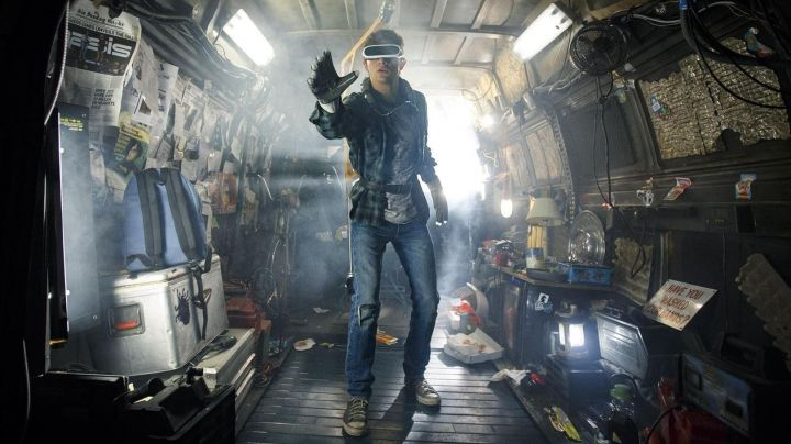 The pair of Converse of Wade Watts (Tye Sheridan) in Ready Player One Movie