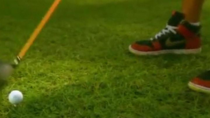 The pair of Nike Air Jordan 1 Retro High Og in American Pie 8 : Hole in one - Movie Outfits and Products