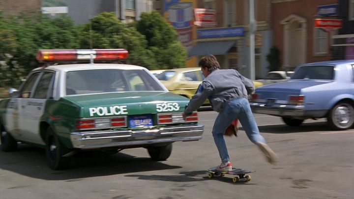 Fashion Trends 2021: The pair of Nike Bruin 1982 Marty McFly (Michael J. Fox) in Back to the future